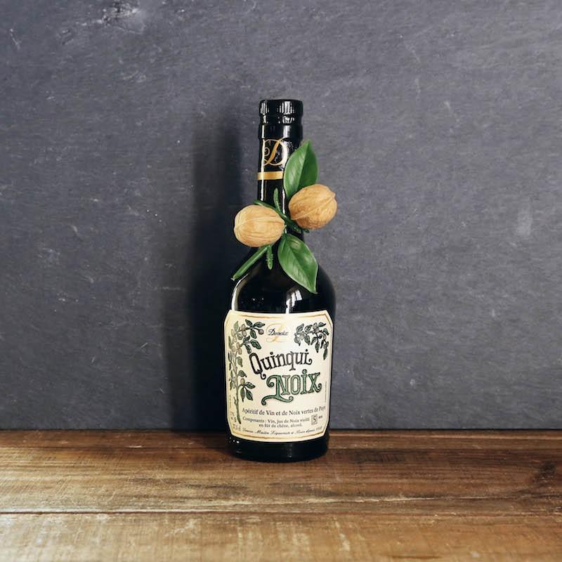 Vin de noix très frais à déguster en apéritif. Maison Denoix de Brive - Les Bouriettes