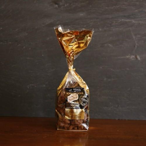 cerneaux de noix poudrés au chocolat